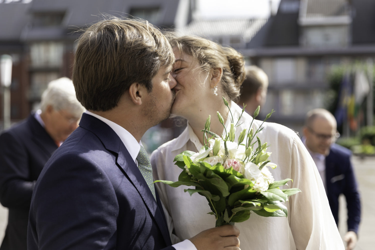 married kissing